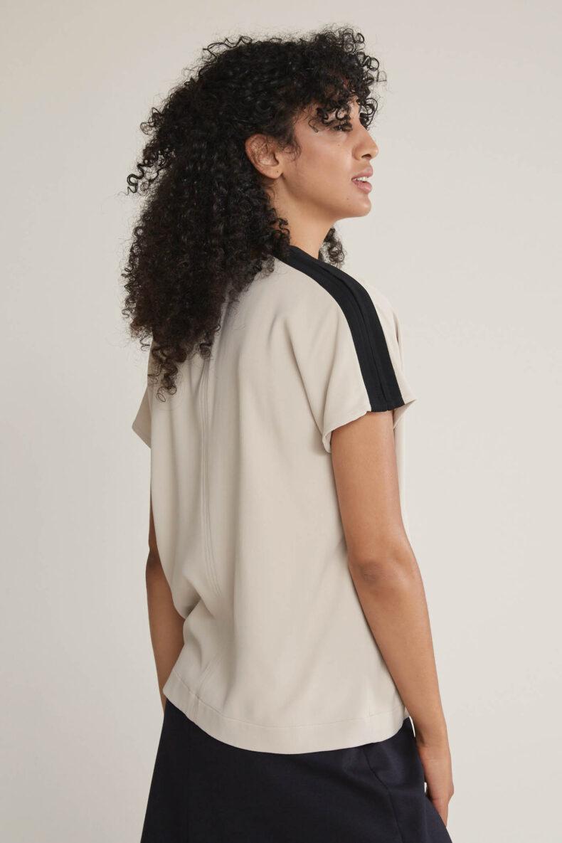 Laufmeter Mademoiselle L Shirt Nude/Black t-shirt aus viskose