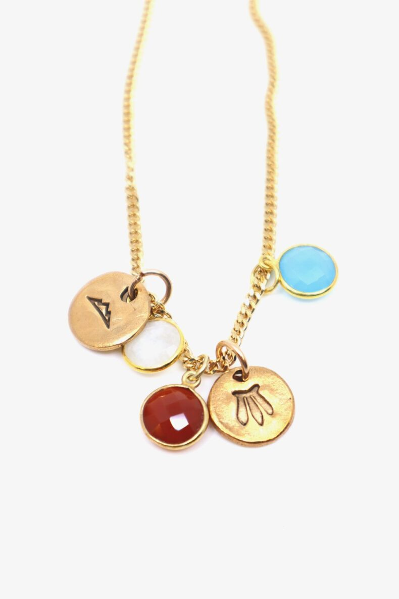 lili t. rainbow neacklace laufmeter halskette mit talisman