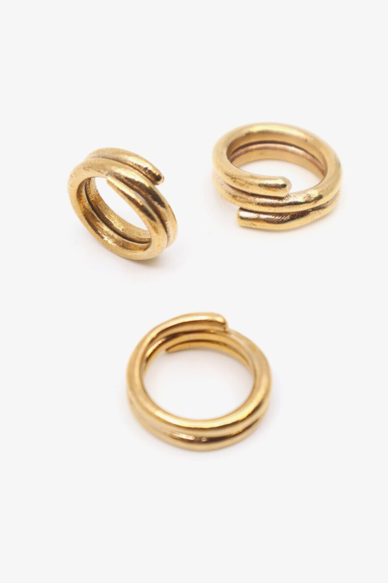 lili t. snake ring laufmeter fingerring handgemacht aus bronze