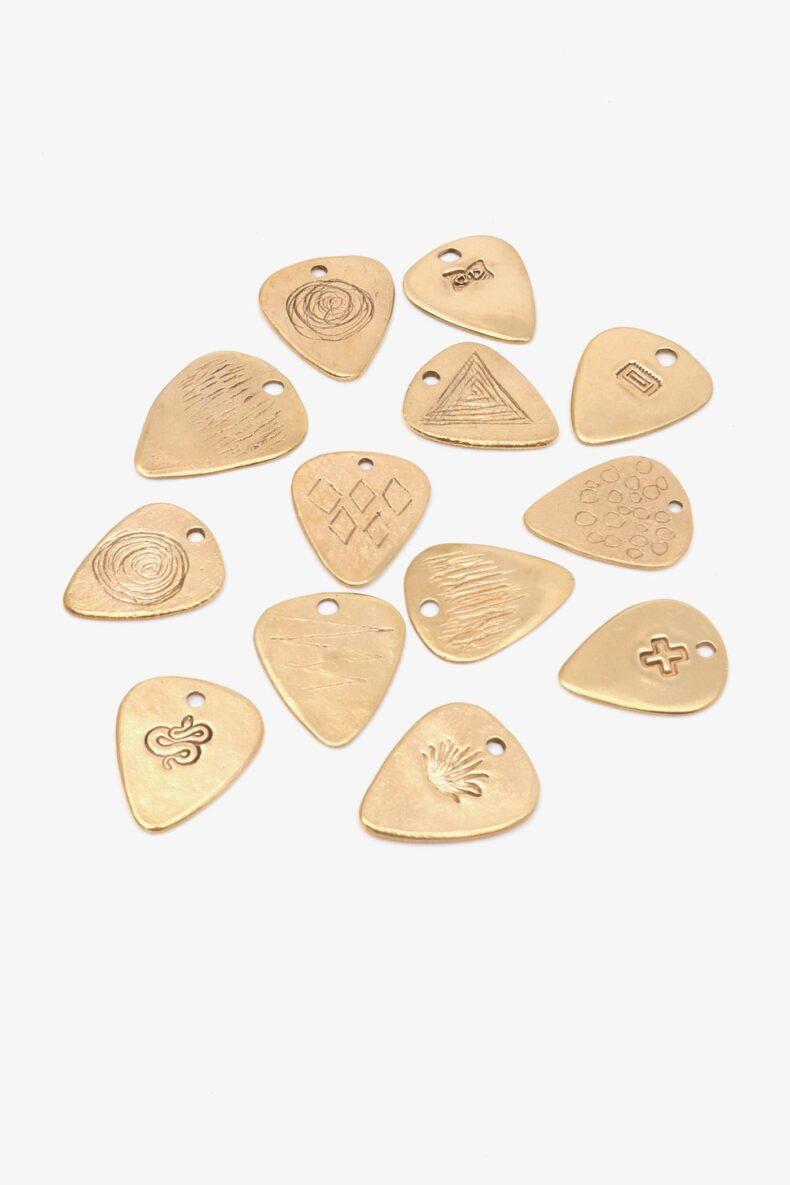 Lili T. guitar pick Laufmeter Gitarren Plektrum Anhänger