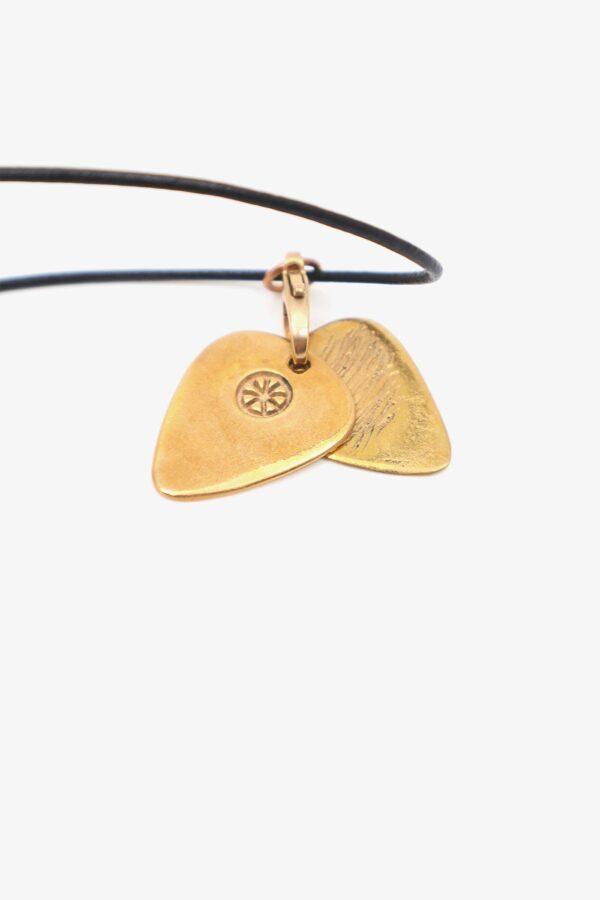 lili t. twin picks necklace laufmeter
