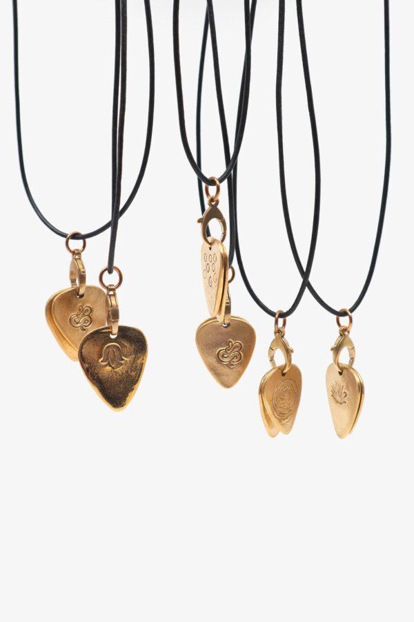 lili t. twin picks necklace laufmeter halskette mit plektrum anhänger