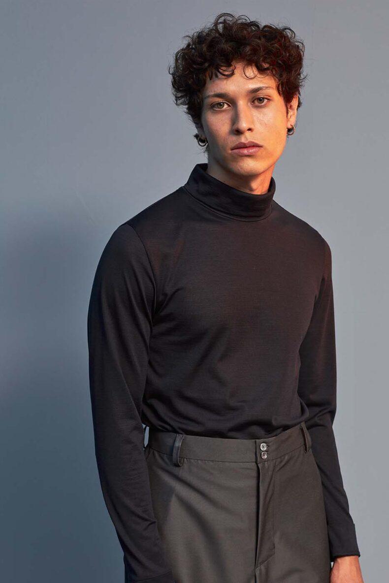 Leicht tailliertes Shirt aus Seide